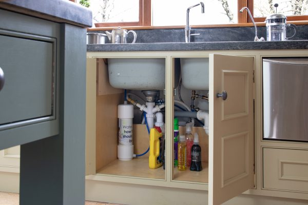 Glacier GW1 Undersink Water Filter installed in kitchen for removing chlorine, chemicals and heavy metals