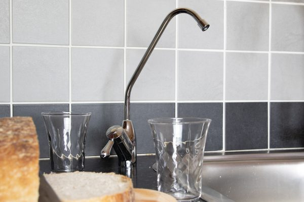 Glacier GW1 NSA 100 undersink water filter replacement chrome tap for fresh, clean drinking water.
