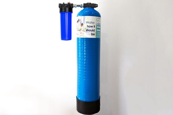 GW5 8x37 inline whole house water filter with prefilter installation kit to ensure all the water in the home is free from chemicals, chlorine and heavy metals.